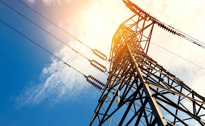 High voltage post or High voltage tower; Shutterstock ID 303371957; PC: -; Cliente e AP: -; CNPJ do Cliente (Tomador da nota): -; Vencimento da Nota Fiscal: -